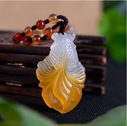 Chalcedon Goldfisch Jade Halskette Anhänger Handgeschnitzte Glückssegen Halskette Anhänger Edlen Schmuck