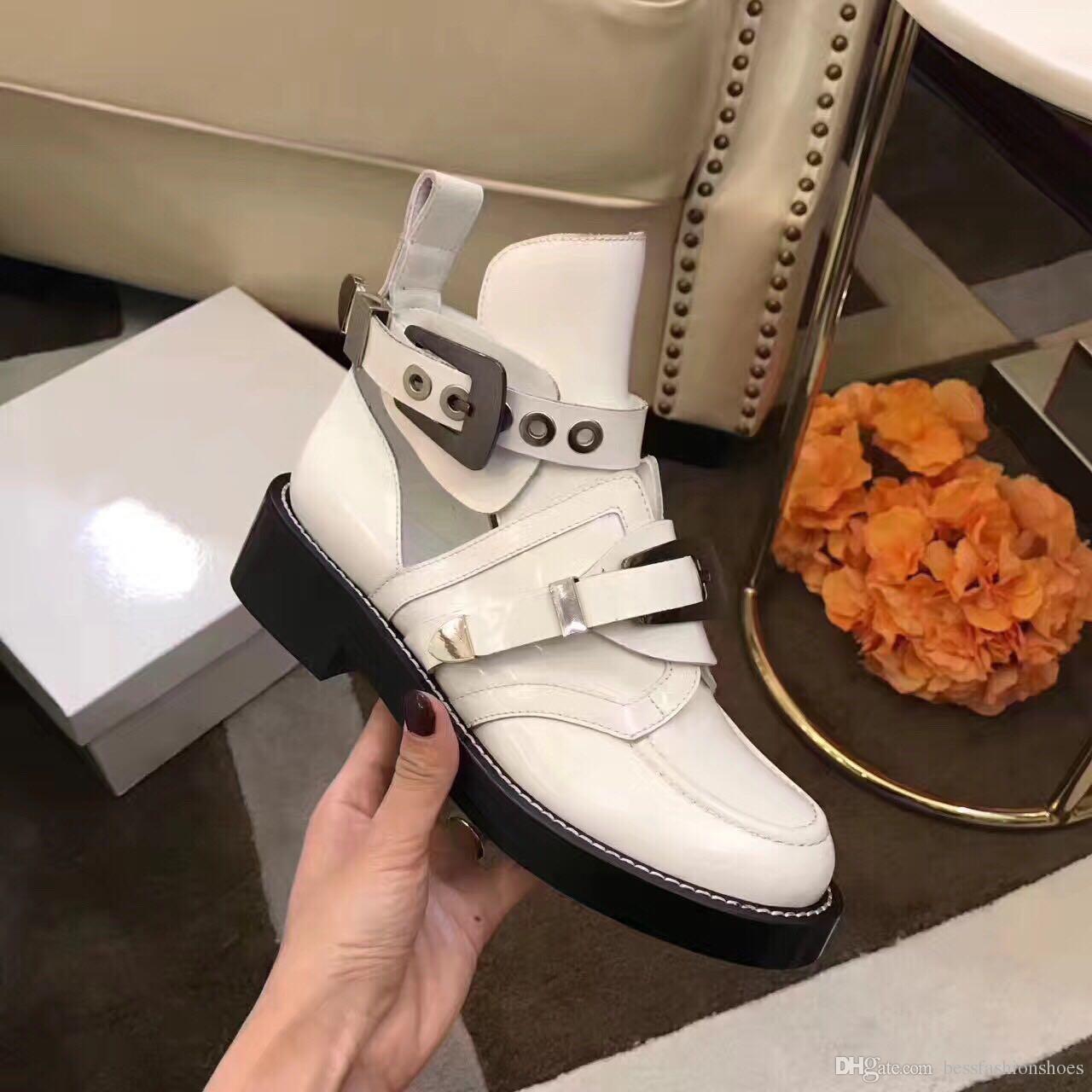Blanco nuevas mujeres caballero botas recortes de cuero genuino femenino motocicleta zapatos hebillas dama otoño pisos botas tobillo vestido de fiesta botines