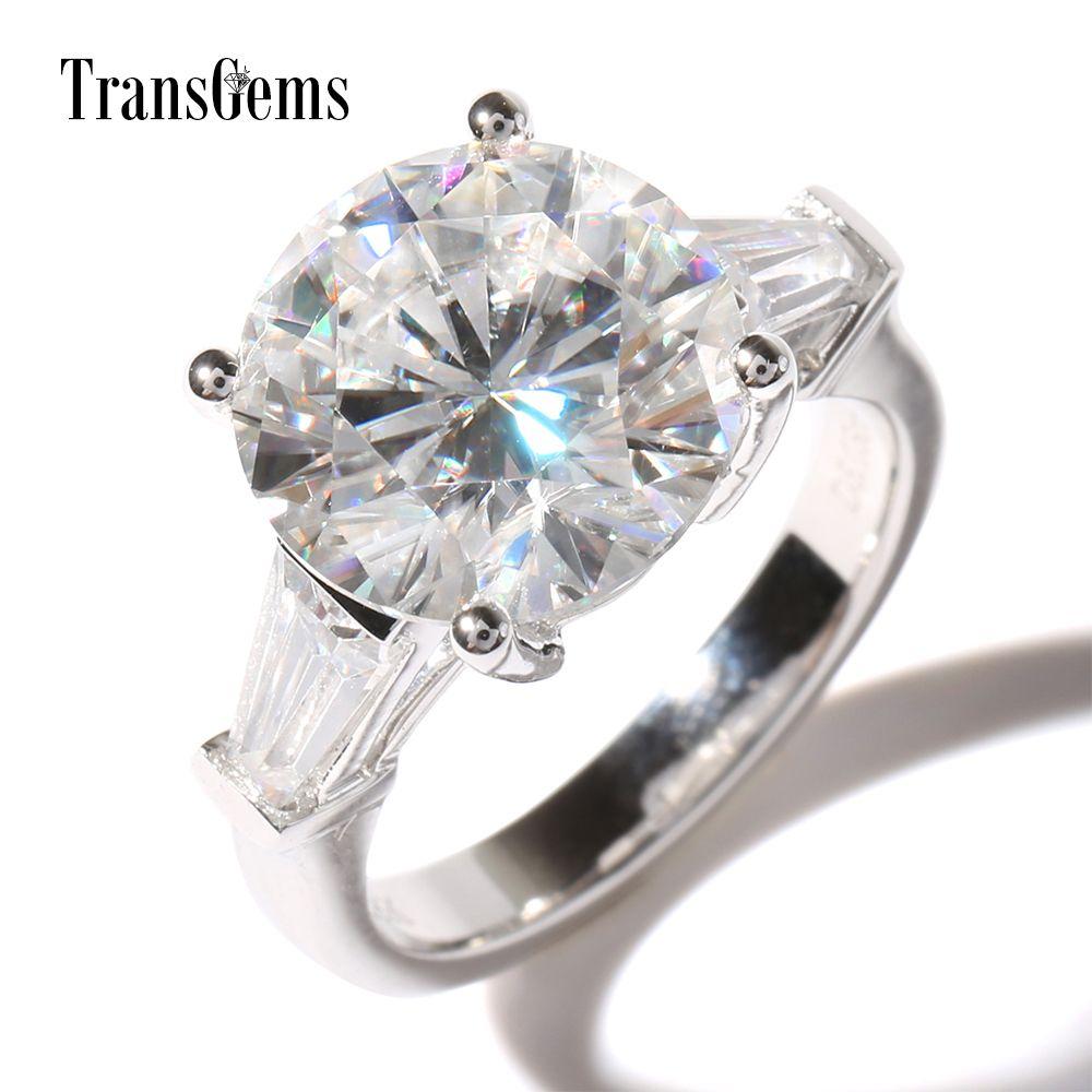 TransGems Luxury 5 Ct Carat Lab Grown Moissanite Diamond con accenti moissanite Anello nuziale solido 14K Gold Engagement Band S923