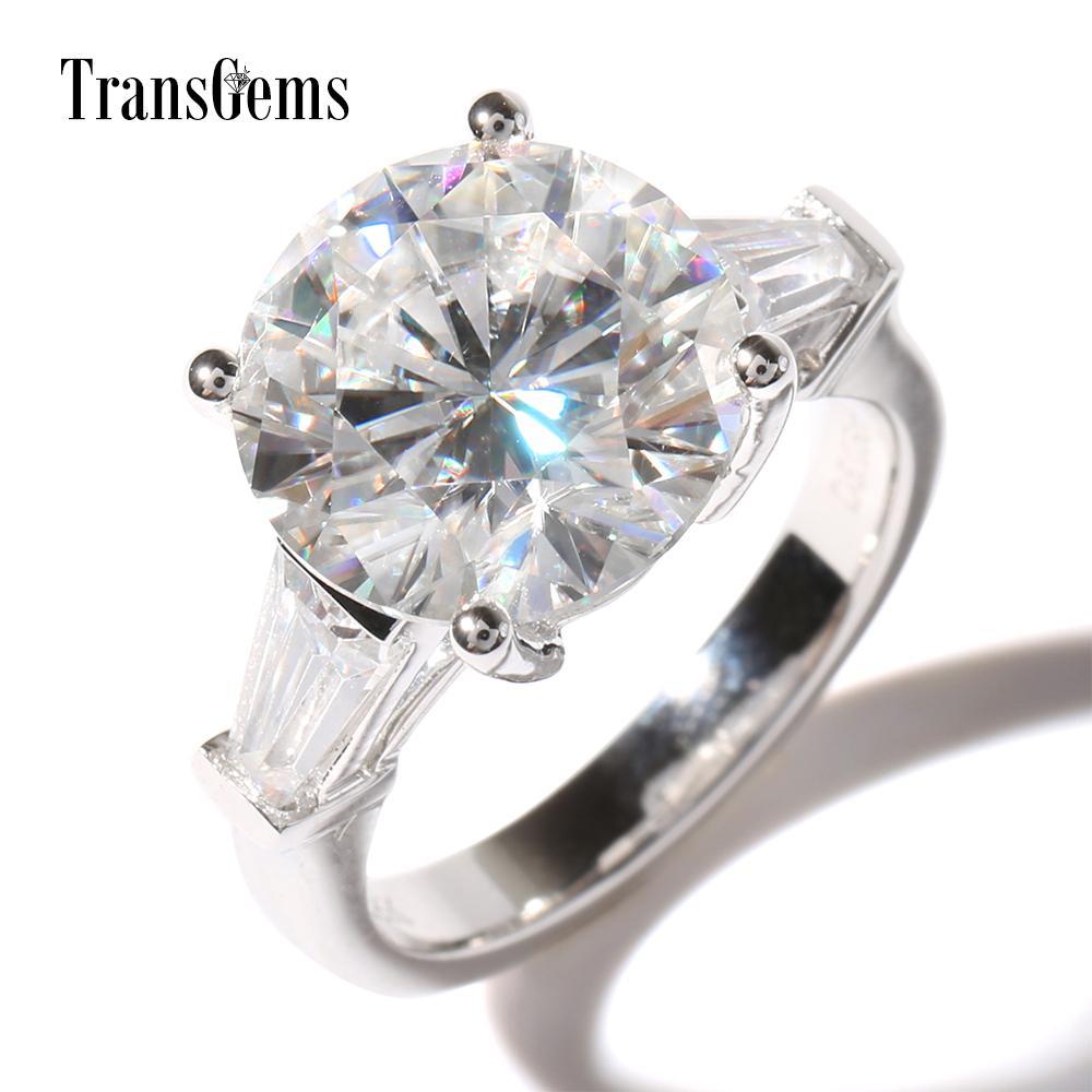 TransGems Luxury 5 Ct Carat Lab Grown Moissanite Diamond con moissanite Acentos Anillo de boda Sólido 14K Banda de compromiso de oro S923