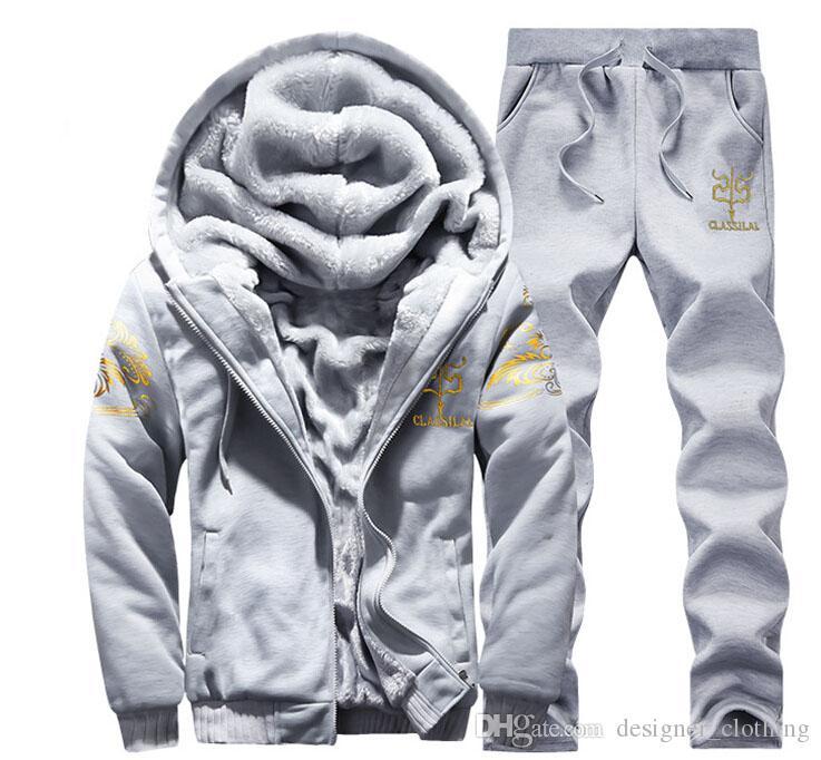 Kış artı kadife kalınlaşma erkek rahat spor takım elbise gençlik kapüşonlu kazak takım elbise Kore versiyonu erkekler