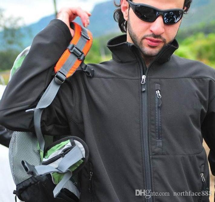 2019 Vendere nuovi uomini inverno pile apice giacca bionica moda SoftShell impermeabile giacca antivento uomo sport all'aria aperta indossare abbigliamento sportivo S-XXL