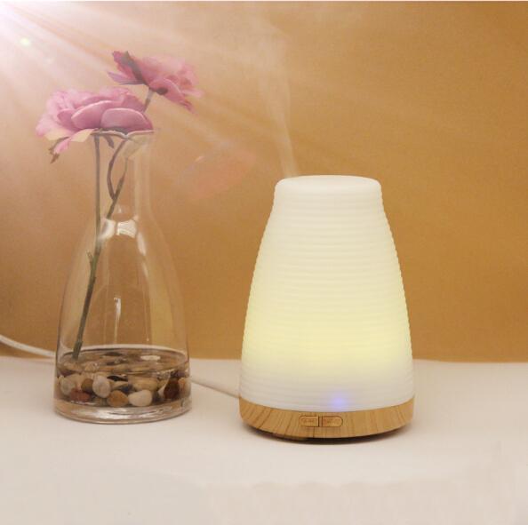 100 ml Aroma Difusor portátil ultra-sônico Umidificador difusor de transporte elétrico luz colorida quente venda livre