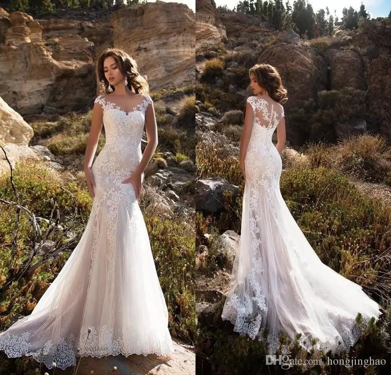 Impresionante ilusión Blusa Cuello escarpado Casquillo Mangas Apliques Vestidos de novia de encaje 2018 Sirena Corte tren Boho Vestidos de novia