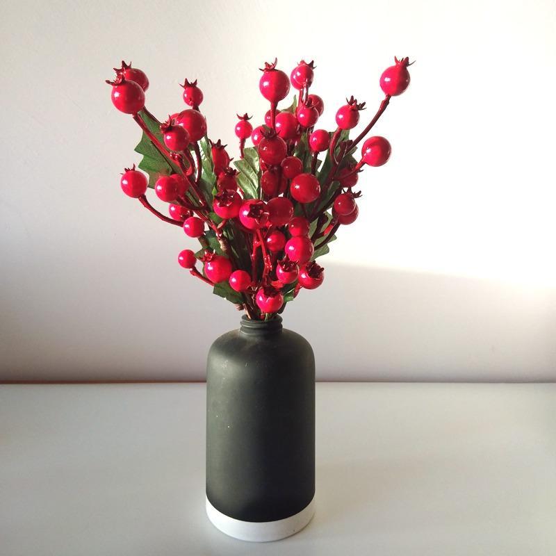 5 UNIDS Flores Artificiales Estambres Bayas Rojas Navidad Fruta Roja Cereza Fake Suave Espuma Fruta para Boda Decoración de Navidad