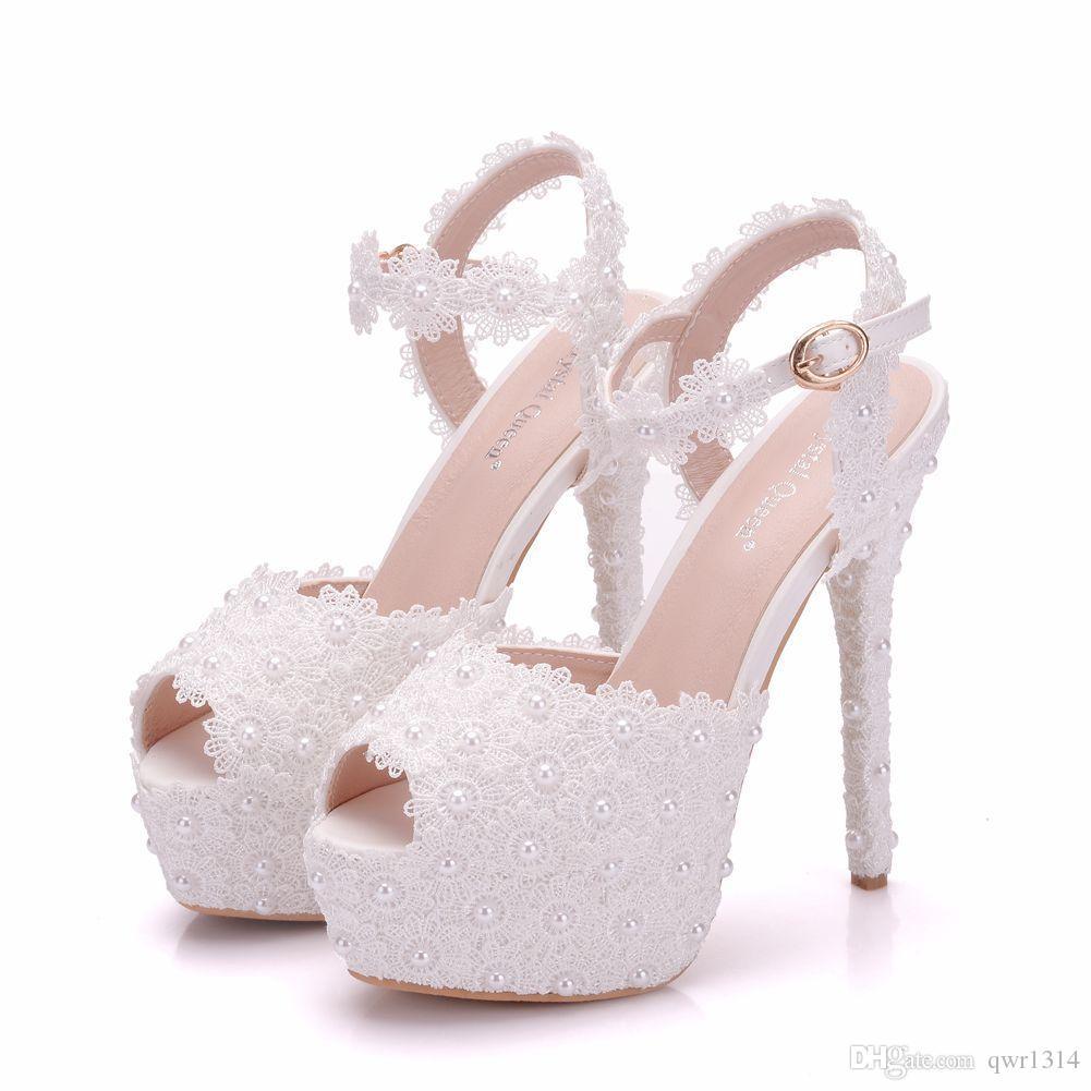 Neue weiße Spitze blüht elegante Peep Toe Schuhe für Frauen High Heels Mode Stiletto Ferse Hochzeit Schuhe Plattform Perlen Bridal Sandalen