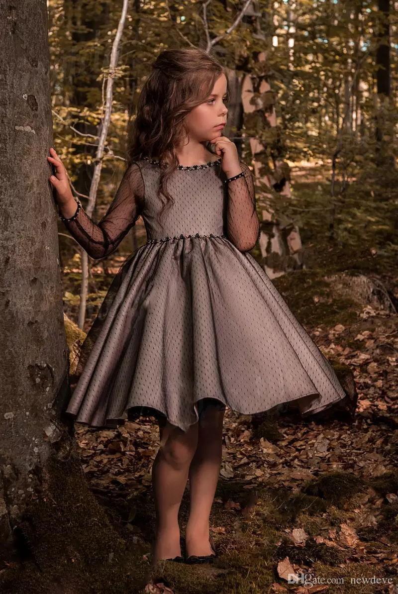 Pageant Kids Vestido Negro Tulle Crew Flower Vestidos para niña para niña de boda Longitud de la rodilla Duración del niño Vestido de cumpleaños 17Flgb453