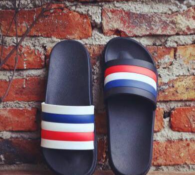 2017 mens moda feminina causal sandálias de borracha plana verão ao ar livre sandálias de praia chinelos 2 cores euro36-45