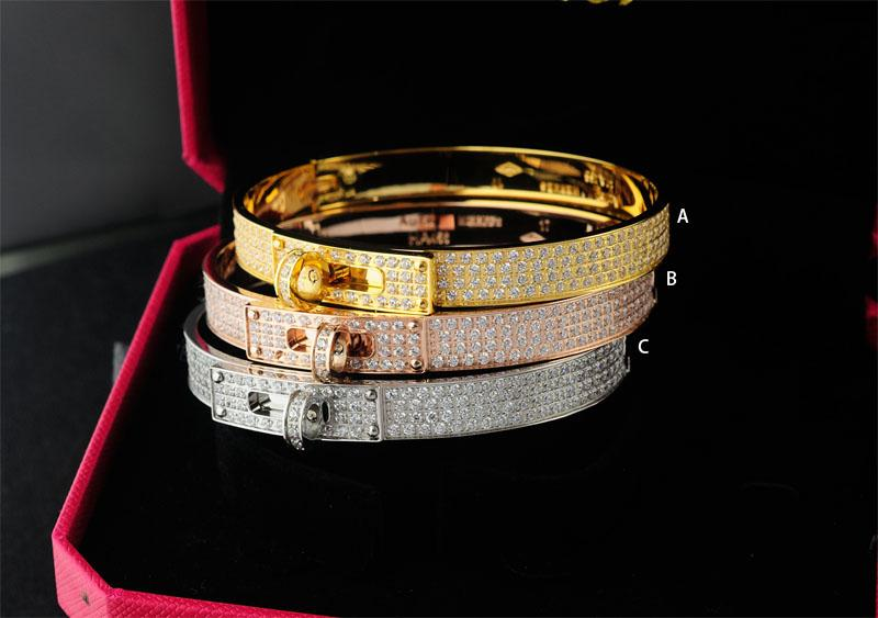 Quality Celebrity design Metal Buckle bracelet Metal Clover Cuff diamond bracelet Gold Jewelry With Box