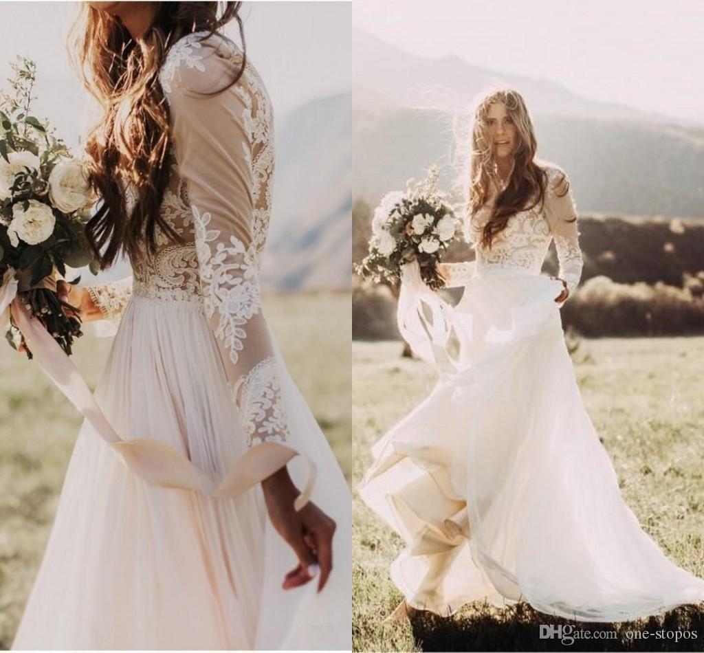 Bohème Pays Robes de Mariée avec Sheer manches longues col bateau Une ligne en mousseline de soie dentelle Applique Boho Robes de mariée