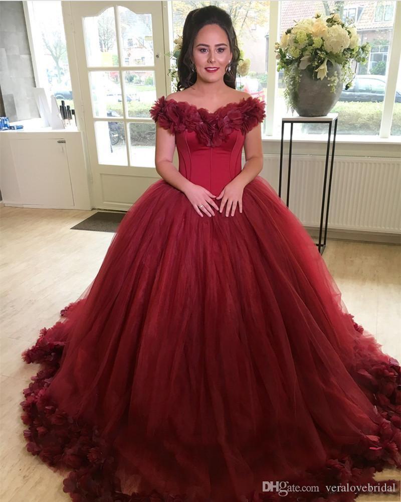 Compre 2019 Borgoña Vestido De Fiesta Vestidos De Quinceañera Hombro Flores Hechas A Mano Dulce 16 Tren De Barrido Talla Extra Grande Fiesta De Baile