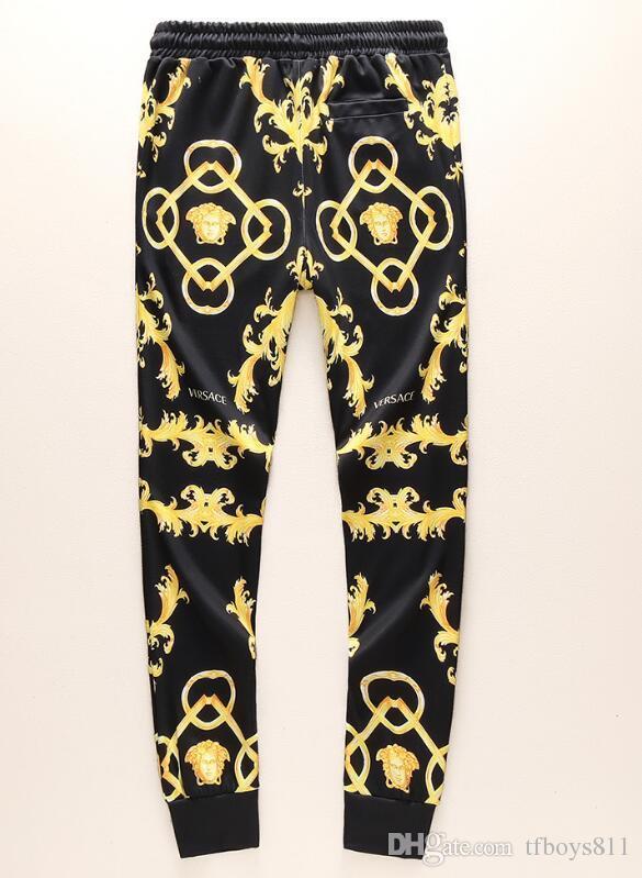 Compre 2018 Otono Hombre Sudor Jogger Versace Chaquetas Pantalones De Marca Con Pantalones Traje Hip Hop Negro Gris Disenador Chandales Envio Gratis 51 A 30 65 Del Tfboys811 Dhgate Com