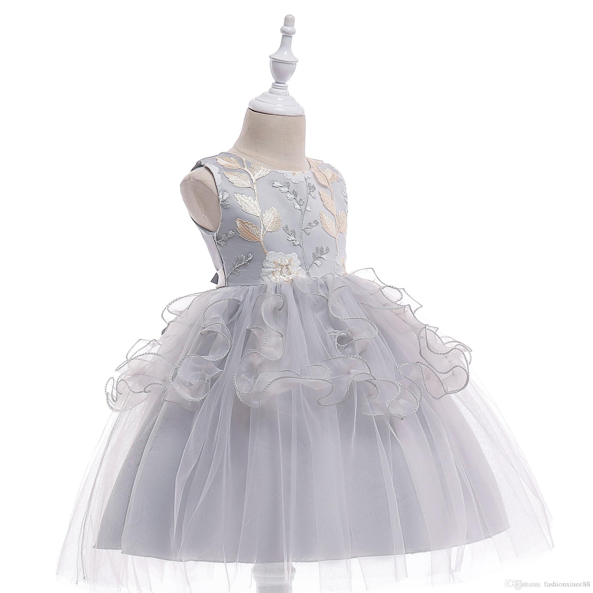 Silver Gray Flower Girls Dresses Butterflies 3D Floral Applique Knee Length Girls Pageant Dresses Baby Girl First Birthday