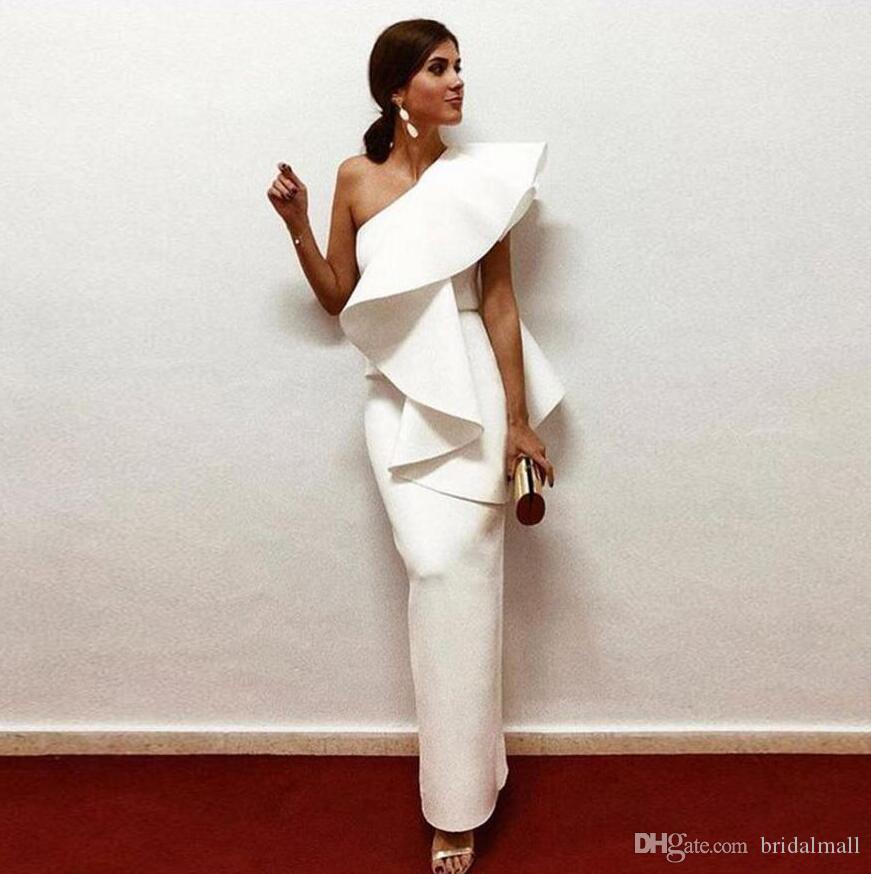 Soirée satin blanc élégant robes 2019 asymétrique à volants gaine Parti Formal Robes Longueur étage Fermeture eclaire Retour Arabie arabe Robes de bal