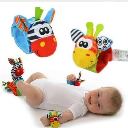 1 unids Suave Calcetines de Animales Muñequeras Bandas de Sonido Mano Pie Campana mascotas Calcetines Atención Bebé Niños Juguetes de Desarrollo Intelectual
