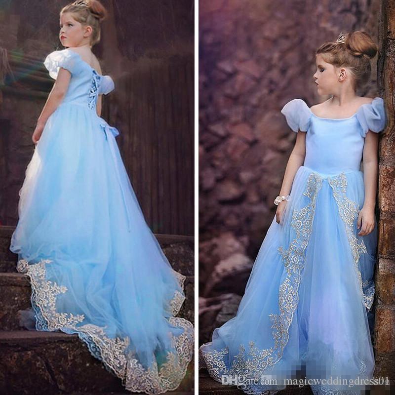 Açık Gökyüzü Mavi Prenses Çiçek Kız Elbise Kapalı Omuz Kapalı Aplikler Tül Puf Kollu Korse Kızlar Pageant elbise