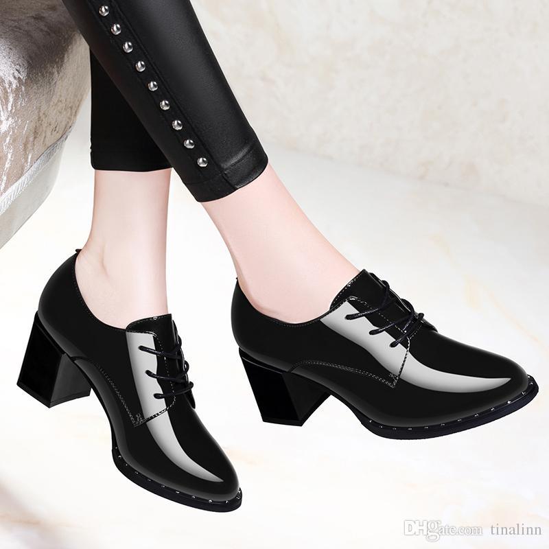 Compre Nuevo 2018 Zapatos De Vestir Para Mujer Mujeres Con Zapatos De Tacón Grueso Primavera Cómodas Chicas Moda Borgoña Negro Size34 40 Alta Calidad