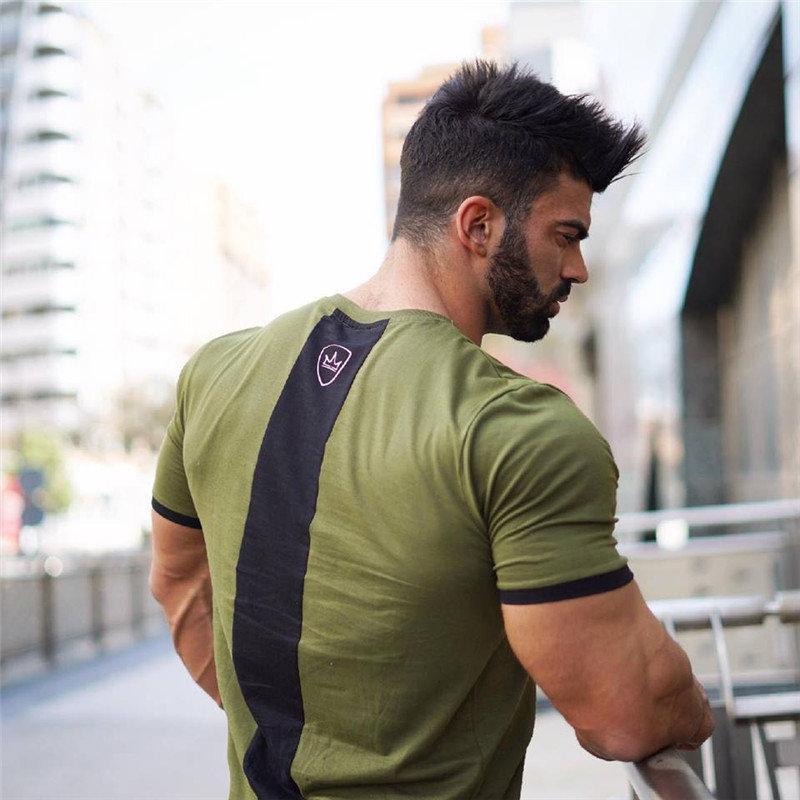 Hot NEW Men Summer gyms camiseta Fitness Bodybuilding Crossfit camisetas Costura color O-cuello manga corta marca camiseta tops moda