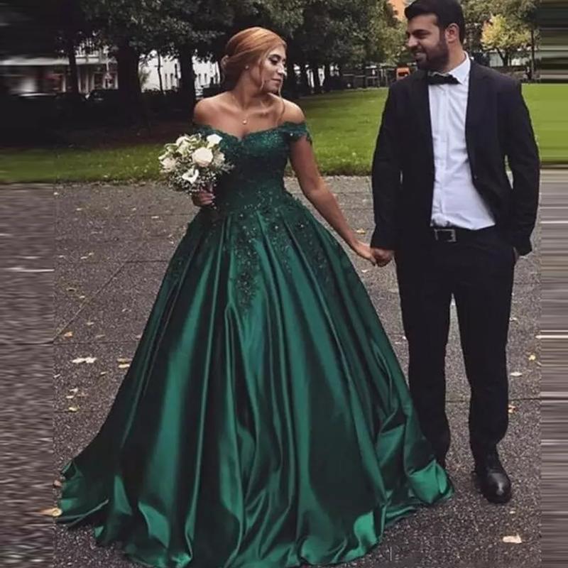 어두운 녹색 공 가운 레이스 댄스 파티 드레스 2021 숄더 반팔 끄기 짧은 소매 슈트 트레인 공식 이브닝 파티 가운