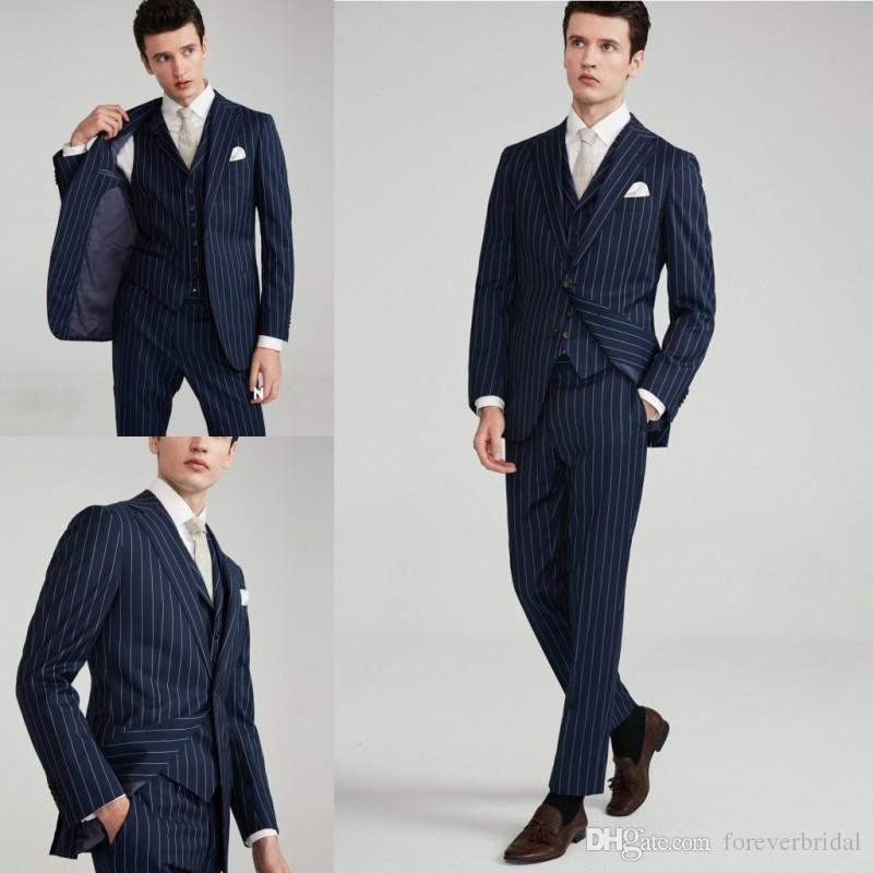 Hot Design Costumes de marié de mariage en tissu marine à fines rayures en trois pièces (vestes + pantalon + gilet)
