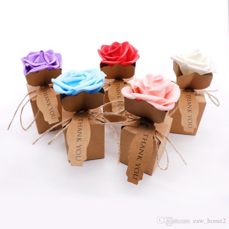 Sacchetto di regalo di scatole di caramelle di carta vintage fai da te Kraft con scatola di carta kraft fiore rosa con favori di decorazione di nozze fiore schiuma