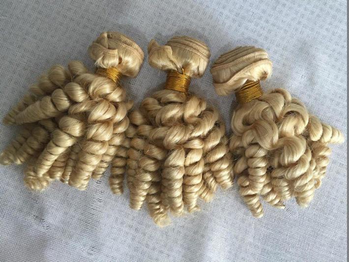 Nigeria Aunty Funmi Capelli biondi di estensioni dei capelli umani del Virgin brasiliano Bundles economici # 613 La donna di platino a spirale in offerta Romance Riccioli Weave
