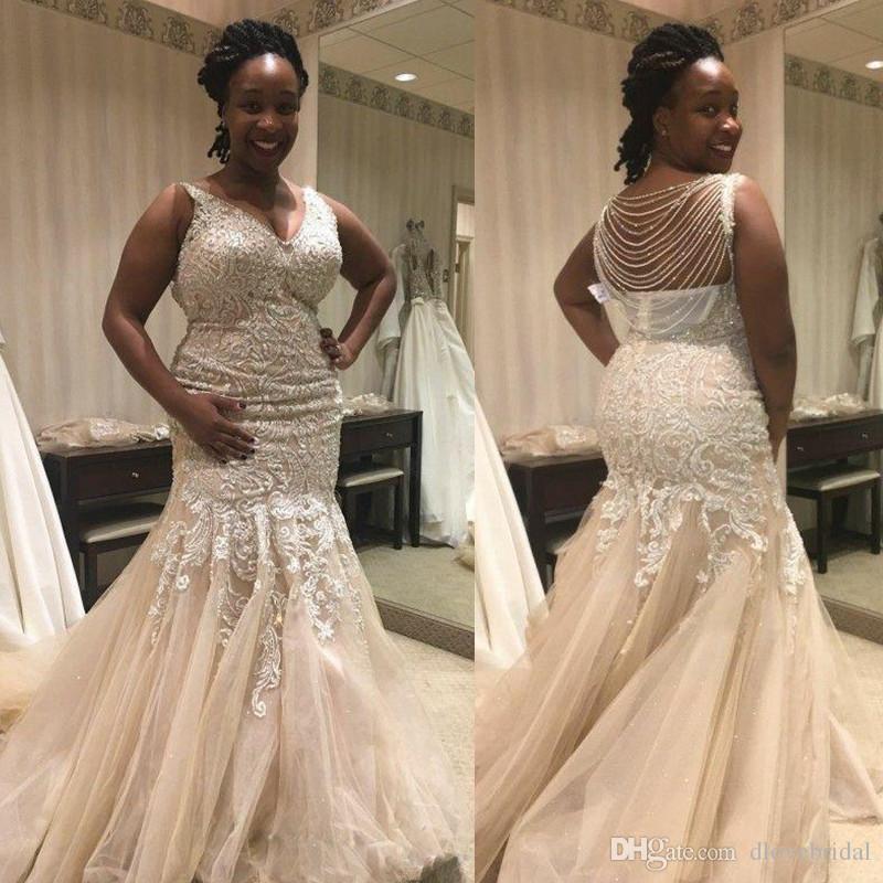 플러스 사이즈 트럼펫 V 넥 웨딩 드레스 섹시한 뒤 머메이드 V 넥 Draped Beadeding 등받이 채플 기차 레이스 Appliqued Tulle Bridal Gowns