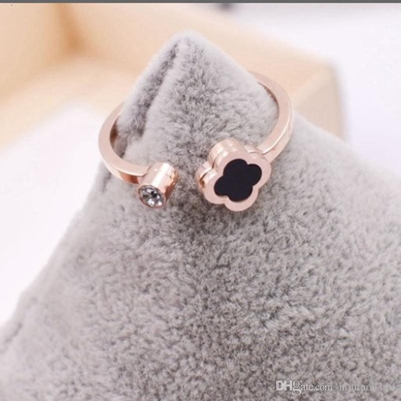 فتح البرسيم أربع أوراق مع أزياء خاتم الماس المرأة بسيطة أربع أوراق البرسيم عصابة التيتانيوم الصلب والمجوهرات المرأة خاتم الماس