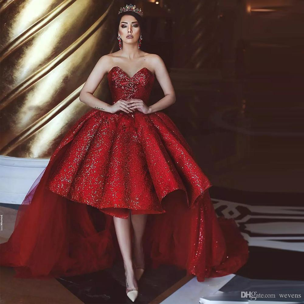 Wunderschöne rote Ballkleid-Abschlussball-Kleider mit abnehmbarem Zug-Schatz-Abendkleid-Rüschen-Röcken vorderes kurzes hinteres langes Festzug-Kleid