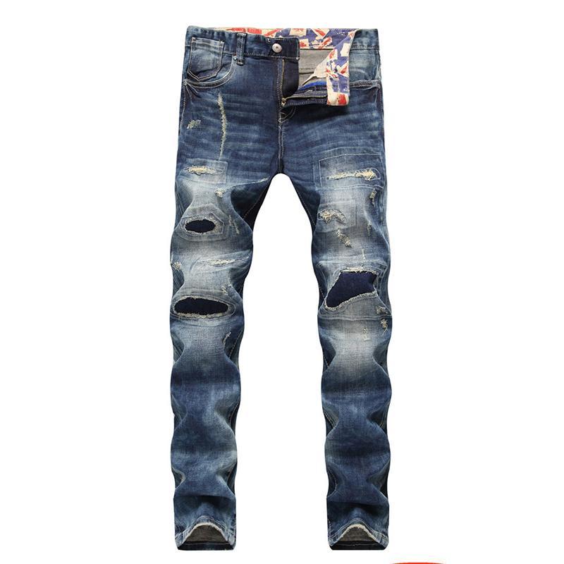 Europäische und amerikanische Jeans-Männer reparieren Löcher in der heißen geraden Hose der heißen Männerlokomotive