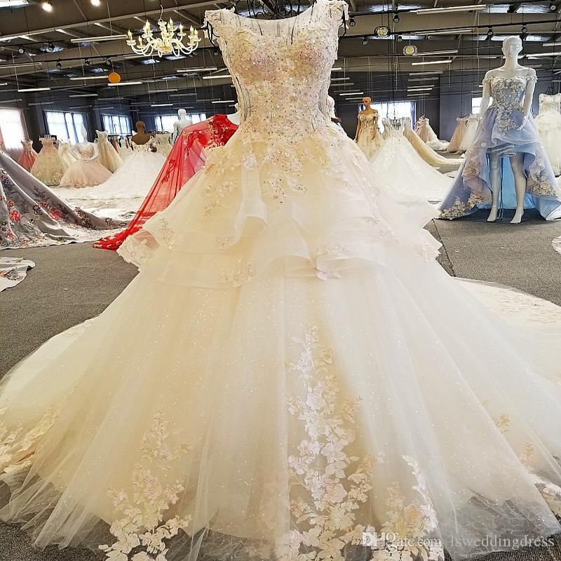 Popular Wedding Dresses Flowers See Through Back Sleeveless Lace Ball Gown Toyal Train Beading Wedding Gowns