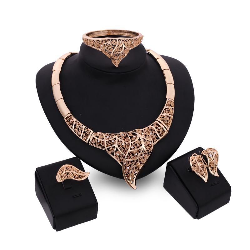 Boucles d'oreilles Bagues Colliers Bracelets Bijoux 4 pièces Ens Mode féminine luxe strass plaqué or 18k évider Feuilles Party Bijoux