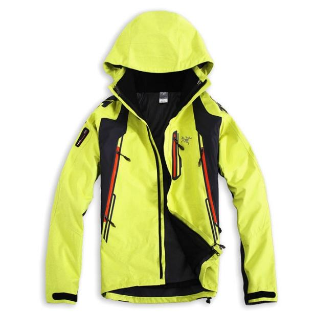 Wholesale men's outdoor climbing jacket new two-piece outdoor thermal sportswear men's stormwear xs-2xl
