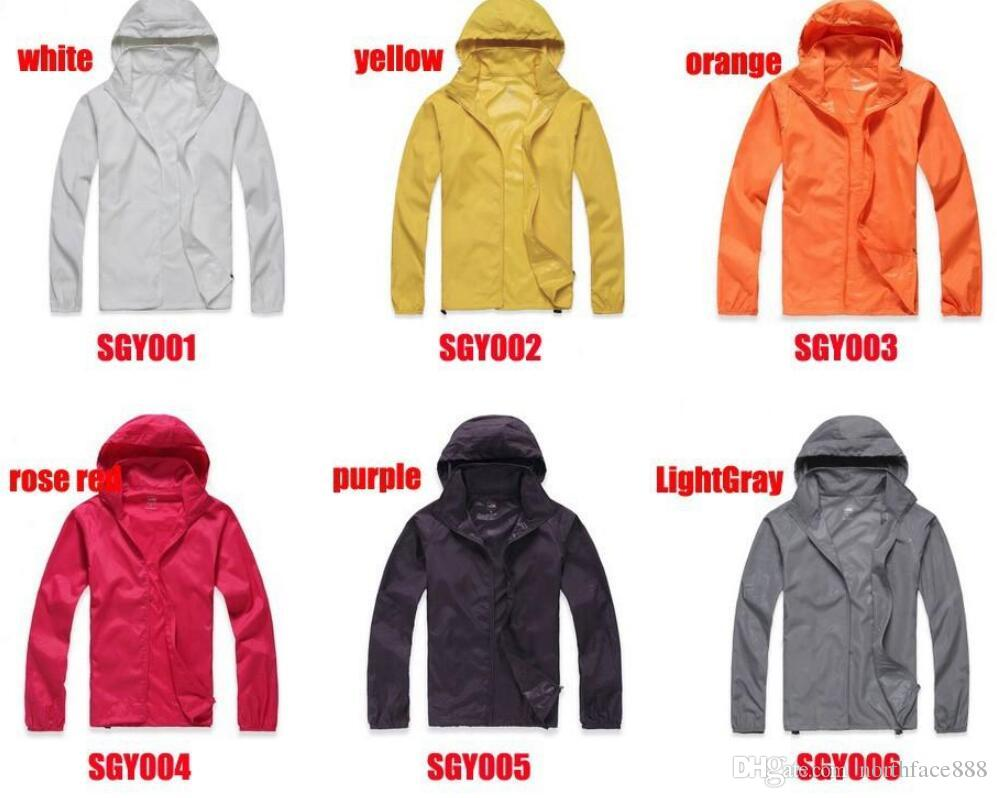 2019 New Summer Womens Mens Marca Rain Jacket Cappotti Outdoor Casual Felpe antivento e impermeabile protezione solare faccia Cappotti Nero Bianco XS-XXXL