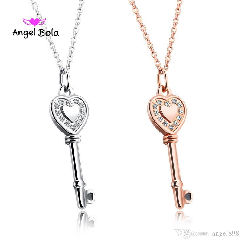 Fashion Necklace for Women Rose Gold Color Lovely Heart Key Queen Crown Pendant Wedding Gifts Angel Girls Necklace Pendant