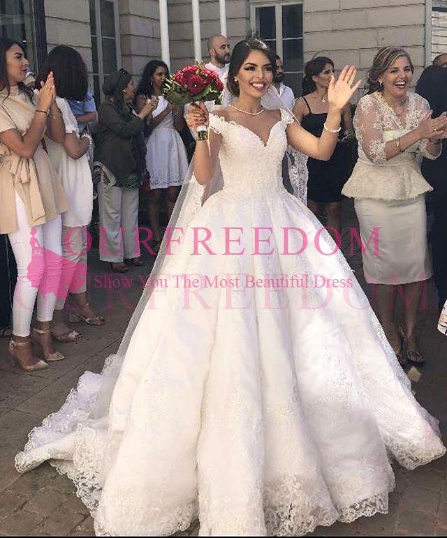 2019 Princess White A Line vestidos de novia fuera del hombro apliques de encaje Sweep Train vestido de novia para la iglesia por encargo