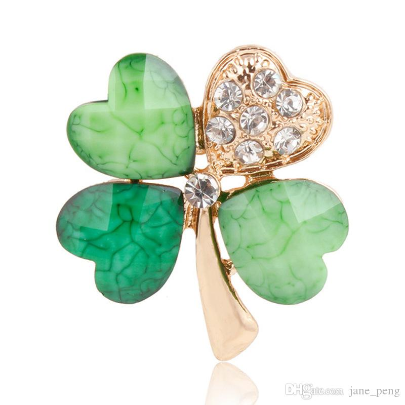 Green Lucky Clover Brooches Pins With Crystal Women Mens Suit Shirt Collar Clip Small Rhinestone Lapel Pin Badge Cute Girls Breastpin Broche