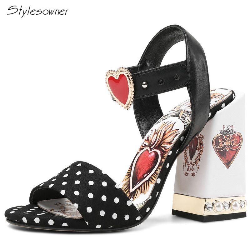 Großhandel Sexy Red Heart Chunky Crytal Heels Sandalen Dot Bling Strass Damen Kleid Schuhe Bling Pearl High Heel SummerShoes
