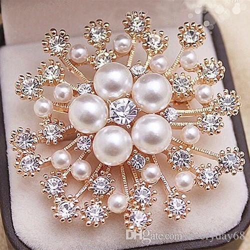 Alta calidad Faux Pearl And Crystals Popular Gold Snow Copo De Snow Copos De Lujo Cristales Checos Mujeres Hijab Wear Broach Pins