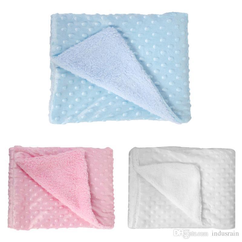 Doux Couvertures bébé au chaud Fleece Newborn poussette sommeil couverture Cartoon Bonnet bébé Literie Quilt emmailloter Wrap enfants Serviette de bain