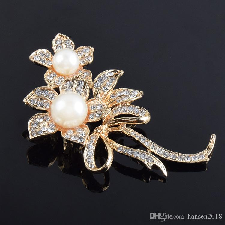 Large pearl brooch for girls Fashion New Crystal Pearl flower Brooch pins Women Wedding Dress Hijab Pins Jewelry Rhinestone Large Brooches