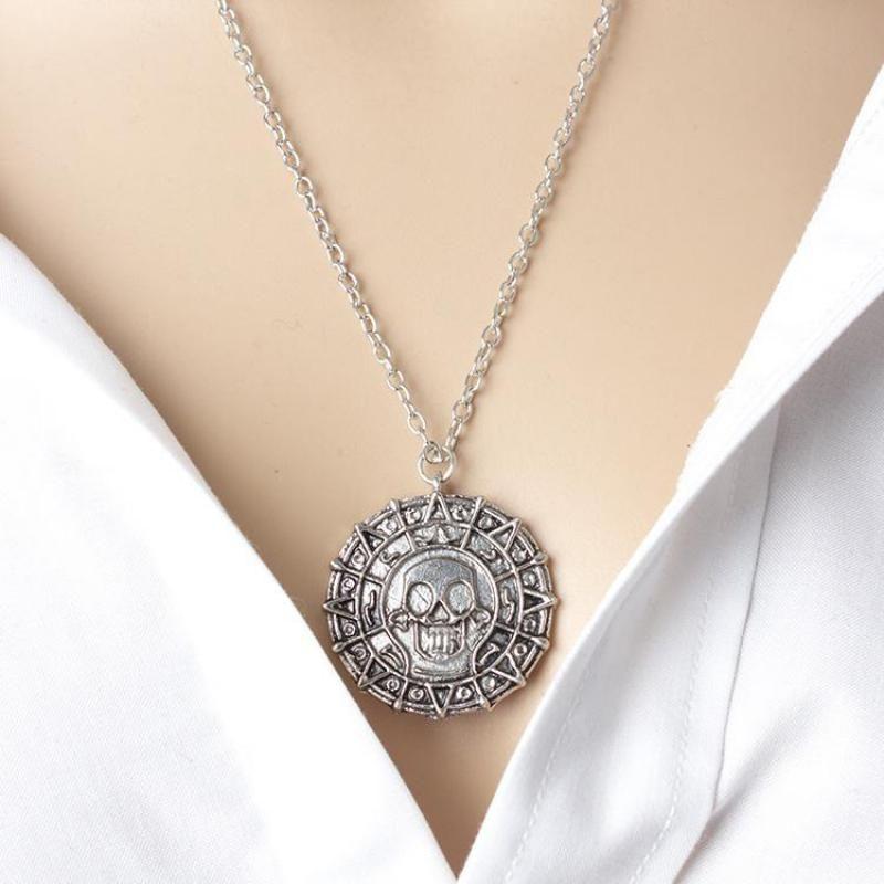 Film Ornaments Caribbean Pirates Round Necklace Gold Coins Men Skull Pendant Necklace Collier Femme Kolye Men's Pendant