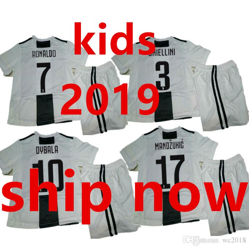 low priced 5bc23 e759e 2018 2018 2019 Juventus Kids Soccer Jersey Set 18 19 Ronaldo Juve Children  Home White Juv Football Uniform Kit Boys Shirt Short Maglia Da Calcio From  ...