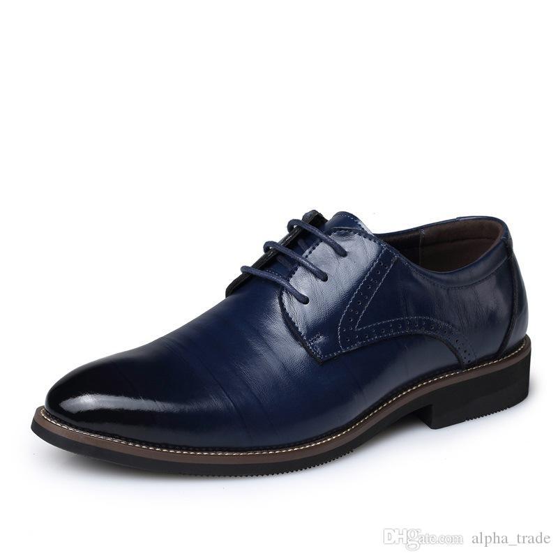 Les hommes d'affaires robe noire chaussures grande taille hommes britanniques ont souligné les chaussures des hommes sauvages respirant dentelle casual mode chaussures de mariage