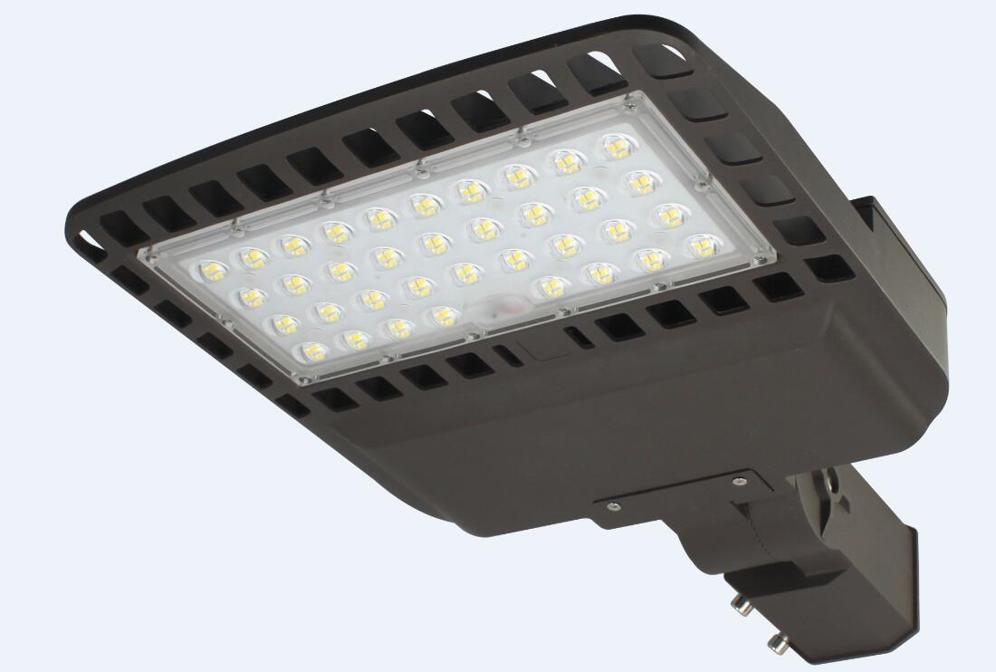 60W 80W 100W 120W 130lm / W ضمان لمدة 5 سنوات LED Shoebox Street Light، مصباح الطريق ، ساحة انتظار السيارات