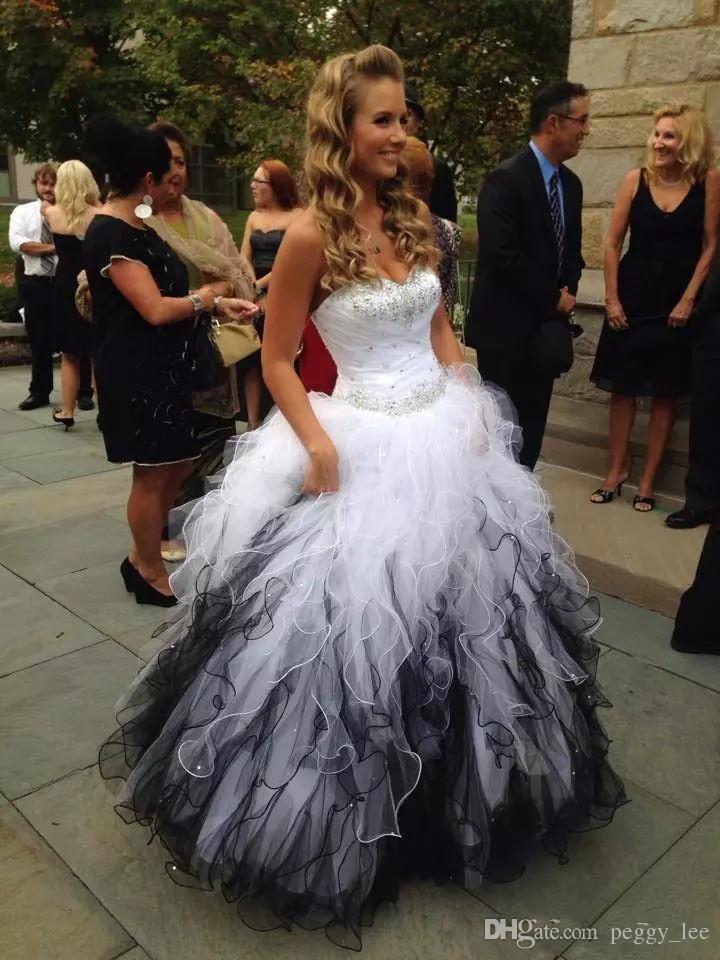 Black And White Wedding Dresses Cheap 2018 Sweetheart Backless Tiered  Ruffled Beaded Robe De Mariée Bridal Dress Plus Size Wedding Gowns Black  Wedding ...