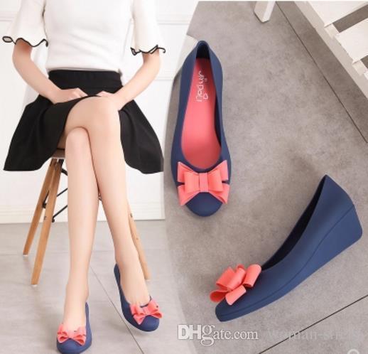 женские круглые toe склон желе сандалии леди водонепроницаемый желе обувь женский боути мягкие резиновые дождь обувь женщины wegde один обувь