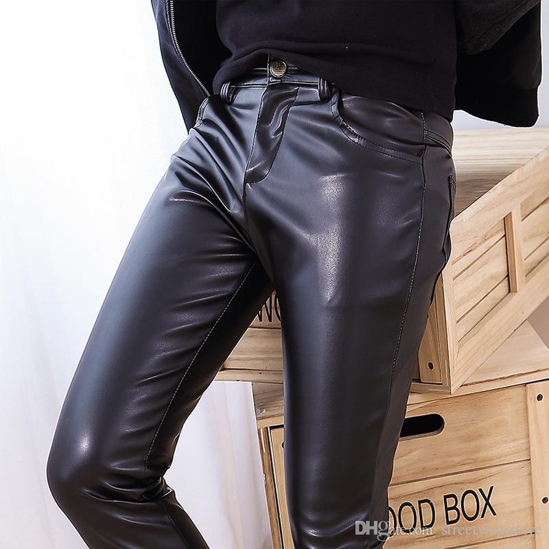 Nuevo Pantalón de cuero elástico de los hombres de la PU Pantalones de piel entera Pantalones Lavados Pantalones de cuero de la PU Hombres Pies Pantalones Moda de los hombres de Hip Hop
