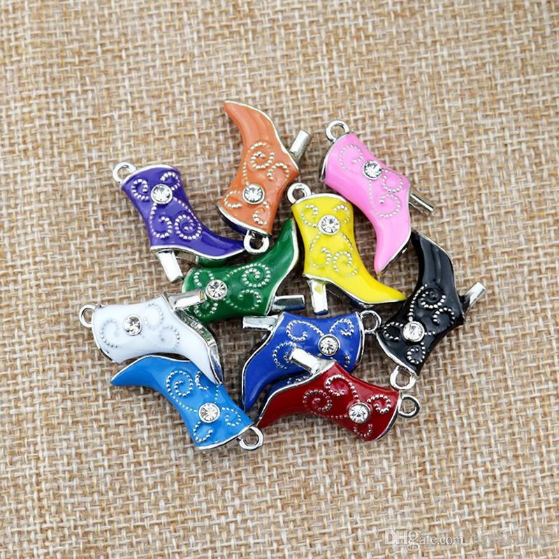 Qualidade superior 50 pcs 16 * 20mm Liga de zinco 10 cores encantos de metal bonitos botas de pingentes colar DIY grânulos Pingente de jóias