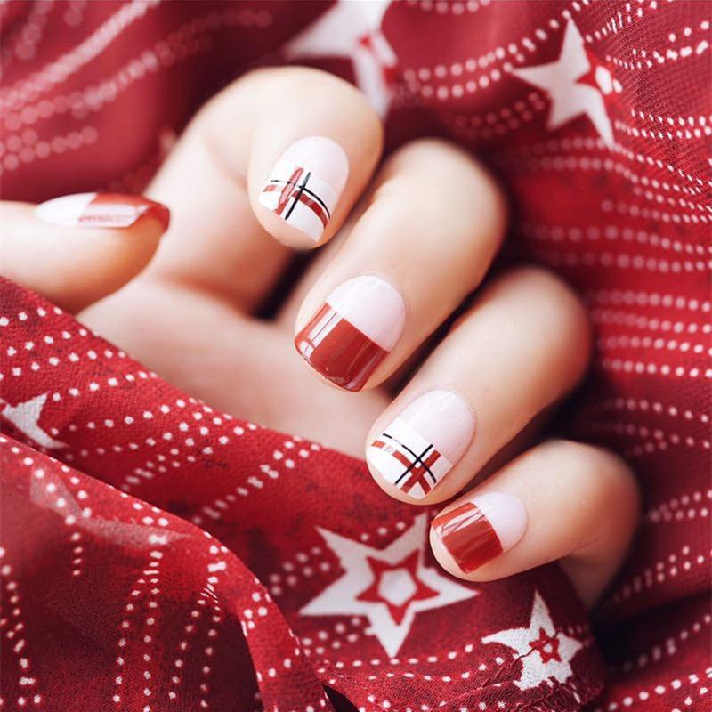24pcs / set diamant faux ongles mode rouge court faux ongles produits finis blanc acrylique français faux ongles avec 2g colle